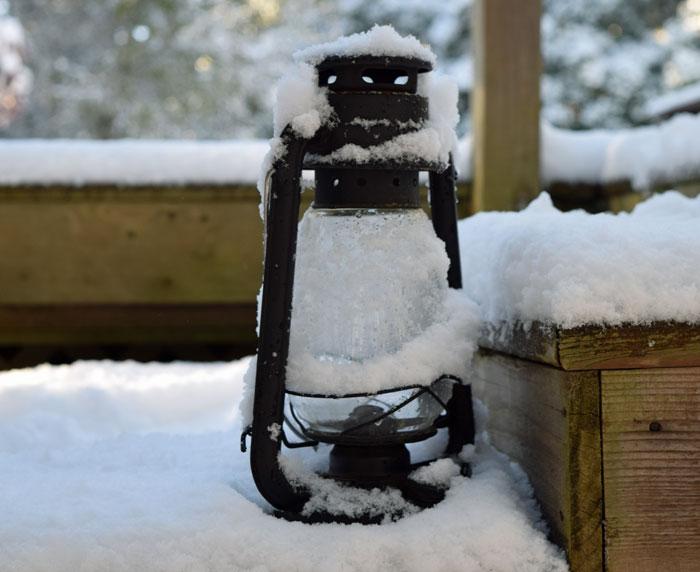 snow-lantern